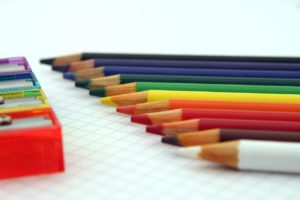 Buntstifte auf Papier